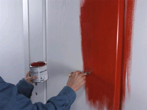как покрасить дверь своими руками