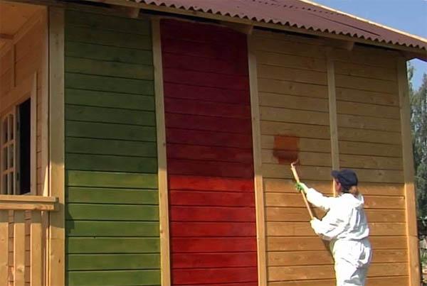 покрасить деревянный дом снаружи